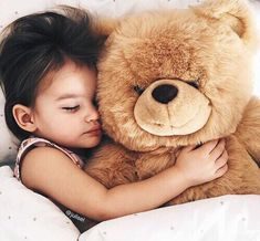 Shared by azadiRojda. Find, share, and collect images about baby, bear and kids on We Heart It - the app to get lost in what you love. Cute Kids, Cute Babies, Baby Kids, Baby Boy, Kids Girls, Snuggles, Beautiful Children, Baby Fever, Children Photography