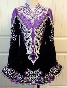 Not that Kiki is anywhere near ready for this type of dress but my goodness it's beautiful!!!   **Prime Design**Irish Dance Solo Dress Costume** Dance Outfits, Dance Costumes, Irish Step Dancing, Celtic Dress, Dress Designs, Irish Dance Dresses, Dance Photography, Just Dance, Ember Rose