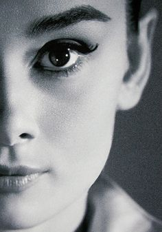 Audry Hepburn... I love your eyebrow