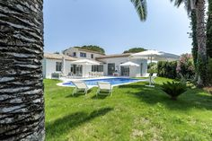 Real Estate for sale for rent Saint-Tropez. Today we write this article for al the real Estate announcements we have in Saint-Tropez France on ImmoWatcher. First of all can you find more information about this city on the official site of Saint-Tropez. Saint Tropez, St Tropez France, Nikki Beach, Villa, Pearl Beach, Rural House, Real Estate Sales, Rest Of The World, Pent House