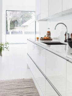Sisustus - keittiö - moderni, puhtaan valkea