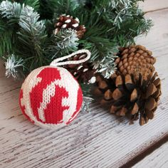 """************* Christmas Ball🎄 """"Squirrel"""" 🐿️ ∅ ~ 7.5 cm 100% cotton, stuffing - hollow fiber - 🔸Doesn't break 🔸Light ⚖ 🔸Easy to store 🔸Can be washed - Perfect choice👌 for #christmastreedecoration in a house with young children 👶👦👧 _ #christmasball #knittingforchristmas #squirrel #vschristmasballs #christmasgift"""