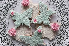 Gorgeous roses and butterflies cookies