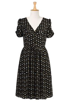 Very pretty everyday dress with a really nice polka-dot. I just remembered that eshakti can custom make the dress with your choice of sleeves (or no sleeves). Plus-Size