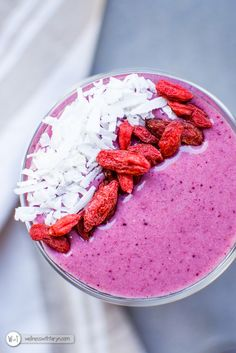 Protein Berry Smoothie - Wellness with Taryn Whole Food Recipes, Healthy Recipes, Protein Power, Healthy Mind And Body, Plant Based Protein, How To Eat Less, Afternoon Snacks, Vegan Gluten Free, Smoothie Recipes