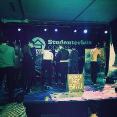 #ArtBattle på @studenterhusodense! Fedt initiativ af nogle tyskstuderende fra #SDU #odense #mitodense #thisisodense #odenseerawesome #studenterhusodense www.thisisodense.dk/15265/odense-art-battle