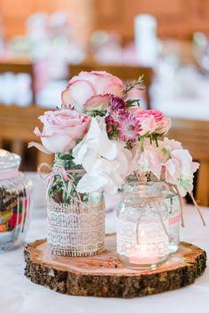 Irgendwie gehört es einfach dazu: Etwas für die Hochzeit selbermachen. Die meisten von uns widmen sich da ja ganz gern dem Gastgeschenk, mancher entwirft die komplette Papeterie selber. ...weiter