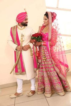 Punjabi bride and groom in Sikh Wedding Punjabi Wedding Couple, Groom Wedding Dress, Indian Wedding Couple Photography, Indian Wedding Bride, Sikh Bride, Indian Bride And Groom, Punjabi Bride, Indian Wedding Outfits, Bridal Outfits