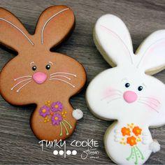 "859 Likes, 23 Comments - Jill FCS (@jillfcs) on Instagram: ""Silly bunnies! ... #funkycookiestudio #jillfcs #doorcounty #sisterbay #edibleart #cookieart…"""