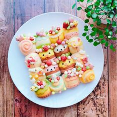 """kawaii-box-co: """" Homemade bread can be cute too - bake your favorite characters into adorable buns! (◕‿◕)♡🍞 Get inspired by Namie's kawaii bread creations that are almost too precious to eat! Cute Snacks, Cute Desserts, Japanese Food Art, Cute Baking, Kawaii Dessert, Good Food, Yummy Food, Bento Recipes, Rainbow Food"""