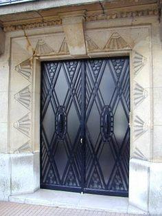 A Scrapbook of Me: Art Nouveau vs. Art Deco #Architecture