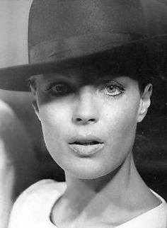 Romy in den Siebzigern Romy Schneider, Divas, Alain Delon, Harry Meyen, Old Hollywood Movies, Old Movie Stars, Look At The Stars, French Actress, Beautiful Actresses