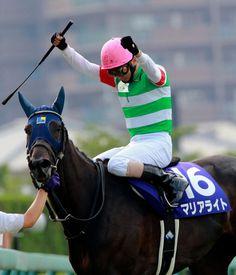 【宝塚記念】蛯名の熟練の技と気迫が呼んだ牝馬11年ぶりのV