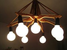 Lampara Recicladas Con Perchas 2 Wooden Pallet Furniture, Recycled Furniture, Furniture Decor, Laser Cut Lamps, Diy Lampe, Make A Lamp, Flower Lights, Diy Chandelier, Wooden Hangers