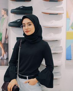 ⚫️Details :- . by my friend @adinaazmr . pinjam my friend @syoffeeyazainal also by her Pedro Milano Sunway putra (specs rabun) P/s: im so glad that i have such a good friends (like dina n piya) in my life ❤️