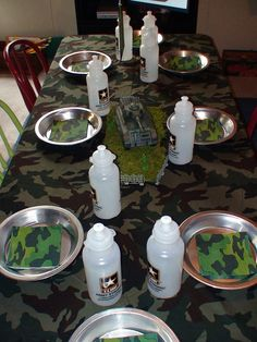 great ideas for setting a table for military themed party
