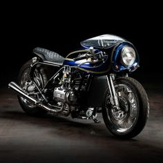 Blueberry Bomber: Krakenhead's mighty custom Gold Wing | Bike EXIF