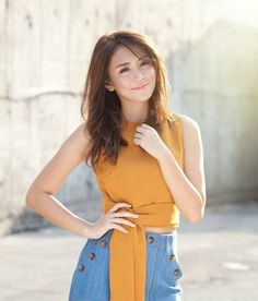Kathryn Bernardo born march 1996 in cabanatuan, philippines Kathryn Bernardo Photoshoot, Kathryn Bernardo Hairstyle, Kathryn Bernardo Outfits, Filipina Actress, Filipina Beauty, Debut Hairstyles, Selena Gomez Adidas, Liza Soberano, Curl Styles