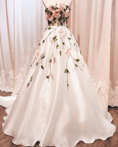 CIEL de GIA Bridal on The dress is named Princess Margareta with ribbon embroidery roses La Penderie de GIA Bridal Boutique Add: 182 Hng Bng (Tng - Floral Prom Dresses, Flower Dresses, Ball Dresses, Elegant Dresses, Pretty Dresses, Ball Gowns, Dress Prom, Rose Dress, Wedding Dresses