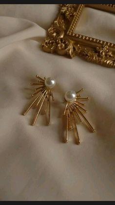 Bridal Jewelry, Gold Jewelry, Jewelry Accessories, Jewelry Design, Ruby Jewelry, Black Jewelry, Jewelry Ideas, Unique Jewelry, Piercings