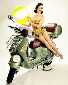 and Vespa Pin-Up Girls Vespa Gtv, Vespa Bike, Motos Vespa, Piaggio Vespa, Lambretta Scooter, Scooter Motorcycle, Vespa Scooters, Vintage Vespa, Pin Up Girls