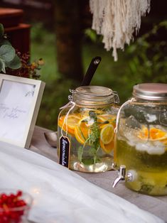 Garden party lemonade drink bar #gardenpartyideas #gardenparty #gardenpartydecor #drinkbar #lemonadebar #tabledecor #tableinspiration #partydecor #partydecorations Party, Fiesta Party, Parties, Ballerina Baby Showers