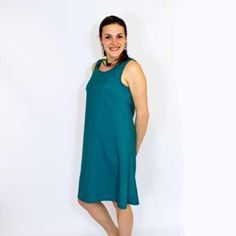 How to make a beautiful and comfortable shift dress. By far the easiest dress that you can sew for yourself! Lots of size options from Clothing Patterns, Dress Patterns, Sewing Patterns, Simple Dresses, Cute Dresses, Shift Dress Pattern, How To Make Clothes, Beautiful Outfits, Beautiful Clothes
