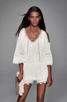 Liya Kebede wears an all white look for Lindex's spring advertisements. Liya Kebede, Toni Garrn, Bohemian Girls, Bohemian Mode, Bohemian Style, Christy Turlington, White Fashion, Boho Fashion, Fashion Outfits