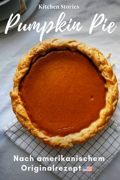 Pumpkin Pie So you know the already in the US. We have the American recipe for the famous # pumpkin pie, as he too Pumpkin Dessert, Pie Dessert, Pumpkin Cheesecake, Cheesecake Recipes, Dessert Recipes, Healthy Pumpkin Pies, Pumpkin Pie Recipes, Mini Desserts, Easy Desserts