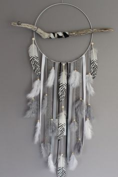 Dream catcher / dream catcher / driftwood dream catcher, zebra feathers and wooden beads – Famous Last Words Doily Dream Catchers, Dream Catcher Art, Dreams Catcher, Diy And Crafts, Arts And Crafts, Diy Tumblr, Creation Deco, Feather Art, Boho Diy