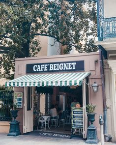 Get a classic NOLA beignet just a block from our doors. #NewOrleans #HotelMonteleone