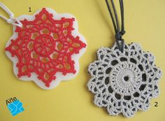 Colares crochet no biscuit by miniARTE - a crochet motif mounted on a cold porcelain base