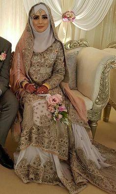 it is mi Pakistani Wedding Outfits, Muslim Brides, Pakistani Wedding Dresses, Bridal Outfits, Muslim Fashion, Hijab Fashion, Niqab, Bridal Hijab Styles, Moroccan Bride
