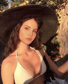 Lana del Rey ♡ Elizabeth Woolridge Grant, Elizabeth Grant, Pretty People, Beautiful People, Foto Glamour, Foto Art, Celebs, Celebrities, Girl Crushes