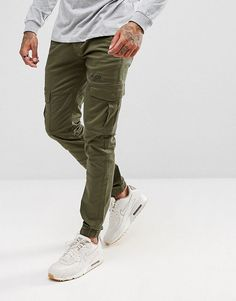 Voi Jeans Cuffed Cargo Joggers in Tapered Fit - Green