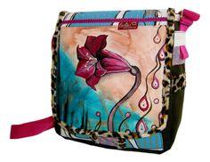 Bei deiner Tasche *Pinke Lilie* von *leolini* sind dir die Blicke gewiss!    Bei *Pinke Lilie* handelt es sich um ein 100% handgefertigtes Unikat.    More custom bags on www.facebook.com/leolini.at or  www.leolini.at