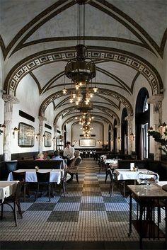 Callas Café, Budapest
