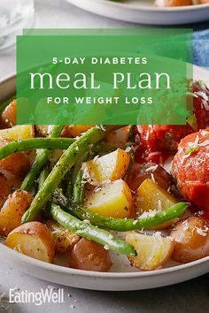 Diabetes Meal Plan for Weight Loss Lose weight and keep your blood sugar steady with this healthy diabetes diet meal plan. Each of the five days offer healthy meals and snacks that are balanced for carbohydrates, protein and fiber to help keep Diabetic Meal Plan, Ketogenic Diet Meal Plan, Ketogenic Diet For Beginners, Diets For Beginners, Diet Meal Plans, Ketogenic Recipes, Diet Recipes, Healthy Recipes, Healthy Meals
