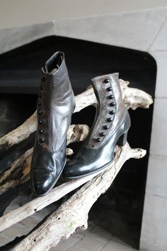 """Antique 1800s VICTORIAN """"Downton Abbey"""" Edwardian Walking Shoes // Two-Tone Leather Boots BUTTON Up Hook - Dark Brown & Black Leather"""