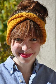 Ravelry: The Twisty Rolly Headband pattern by Sara Dudek