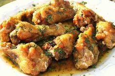 Lemon Garlic Chicken Wings are fried then baked. ♥ What's Cookin' Italian Style Cuisine Lemon Garlic Chicken Wings Recipe, Garlic Chicken Recipes, Garlic Wings, Baked Chicken, Boneless Chicken, Lemon Chicken, Sauce Recipes, Cooking Recipes, Fast Recipes
