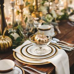 Endearing image of dining room decoration using decorative round gold and white plate including elegant thanksgiving table settings and gold painted pumpkin dining table centerpiece – Fantastic Home Interior Design Ideas Thanksgiving Table Settings, Thanksgiving Tablescapes, Thanksgiving Decorations, Thanksgiving Ideas, Seasonal Decor, Holiday Ideas, Holiday Decor, Elegant Table Settings, White Pumpkins