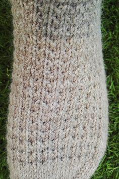 Siskoneule: Hillityt hipsterisukat Mitten Gloves, Mittens, Ladies Gents, Blanket, Knitting, Crochet, Crafts, Diy, Snow