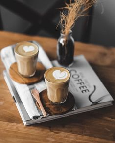 Lots Of Coffee Facts Tips And Tricks 5 – Coffee Coffee Latte Art, Coffee Cafe, Coffee Humor, Coffee Drinks, Coffee Shop, Funny Coffee, Espresso Latte, Coffee Creamer, Coffee Lovers
