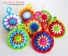 Bright and simple to make, these sweet little baubles would be cute on key-chain, zipper or Christmas tree.