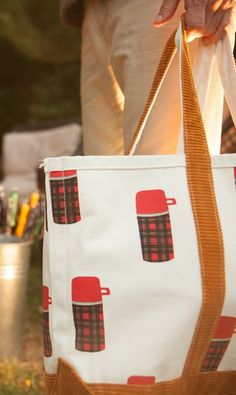 Darling Thermos print canvas and corduroy bag http://rstyle.me/n/ujdkdnyg6