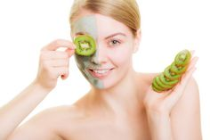 Get Beautiful Glowing Skin Naturally. Face masks are one of the best ways to instantly brighten your complexion and get rid of dull skin. Beauty Tips Home Remedy, Natural Beauty Remedies, Natural Beauty Tips, Beauty Hacks, Yeast Infection Home Remedy, Yeast Infection Treatment, Acne Treatment, Nail Treatment, Skin Care Remedies