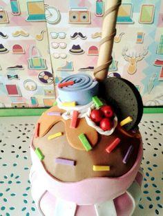 Tarro de crital forrado en goma eva con forma de vaso de for Botes de cocina decorados con goma eva