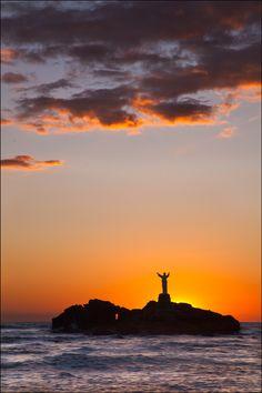 sunset, Playa Salinitas, El Salvador.  Photo: Wanderingval via 500px.