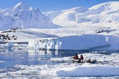 Tussen de ijsbergen van Antarctica varen